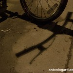 The bicycle and its shadow