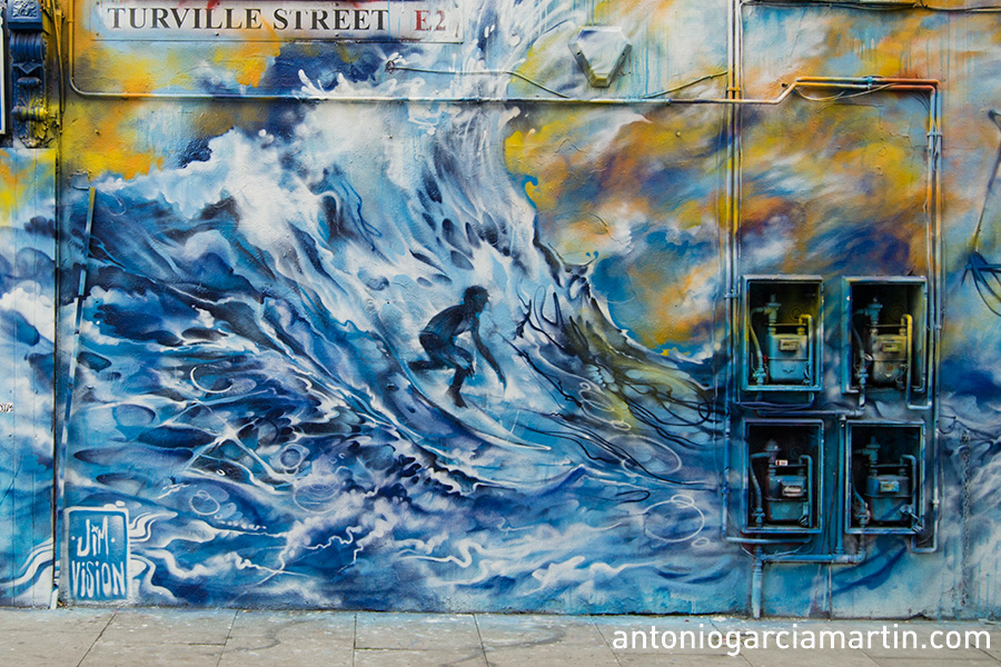 Jim Vision - The surfer and the boat - Turville Street - Shoreditch