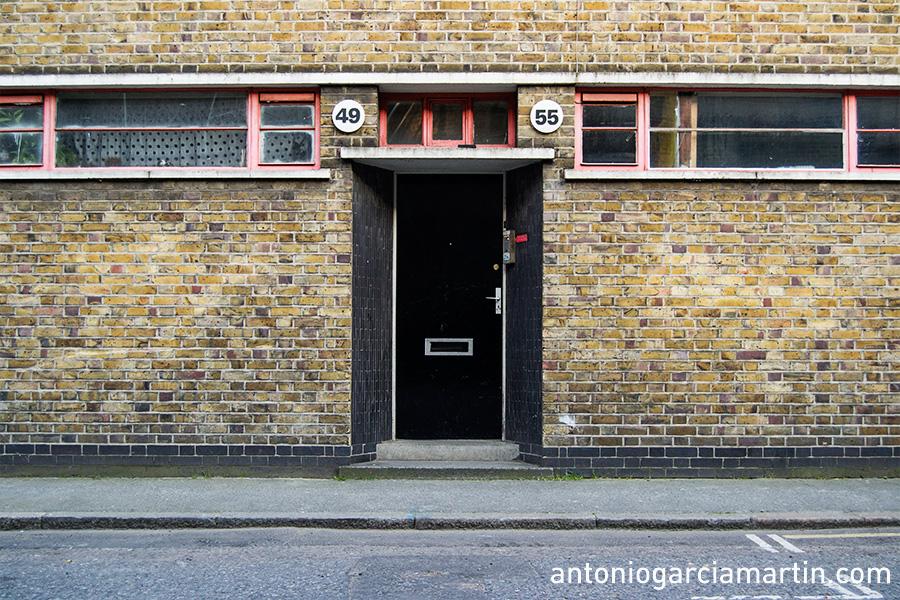 Door 49-55 London Streets