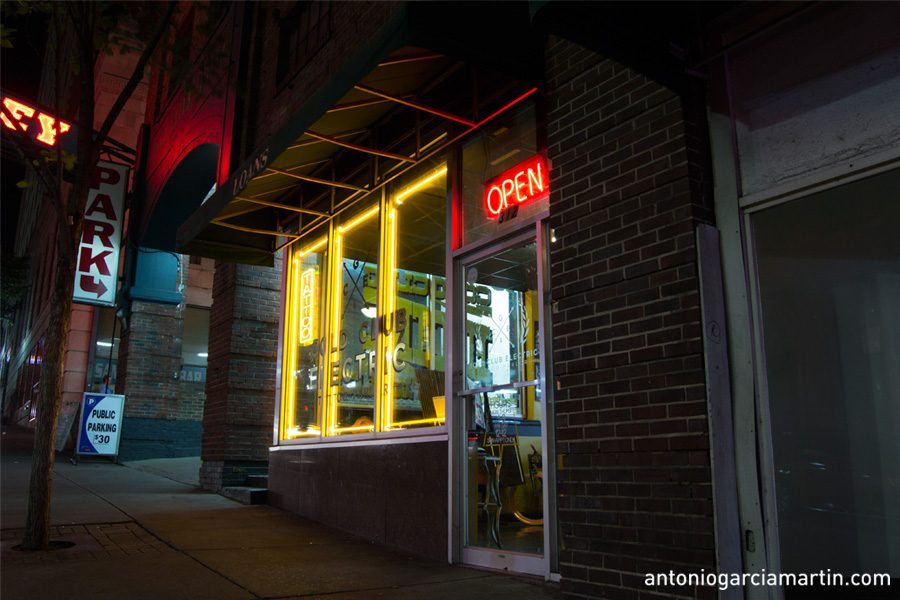 the tattoo studio at night in Nashvill, Tennessee
